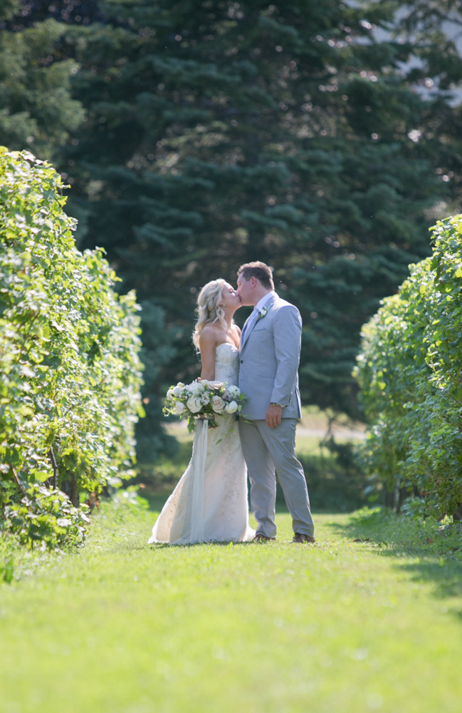 Niagara Wedding Films Love Madly